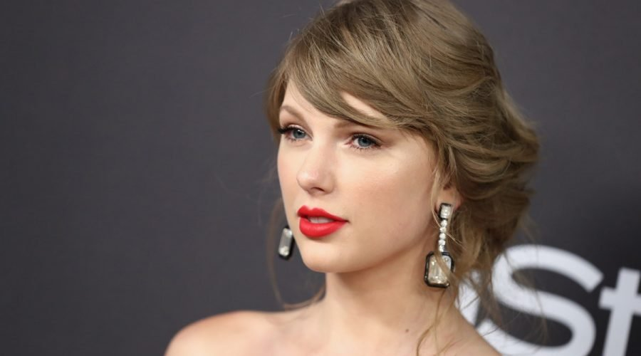 Taylor Swift Sent A Fan A Super Thoughtful Gift After A Car Accident